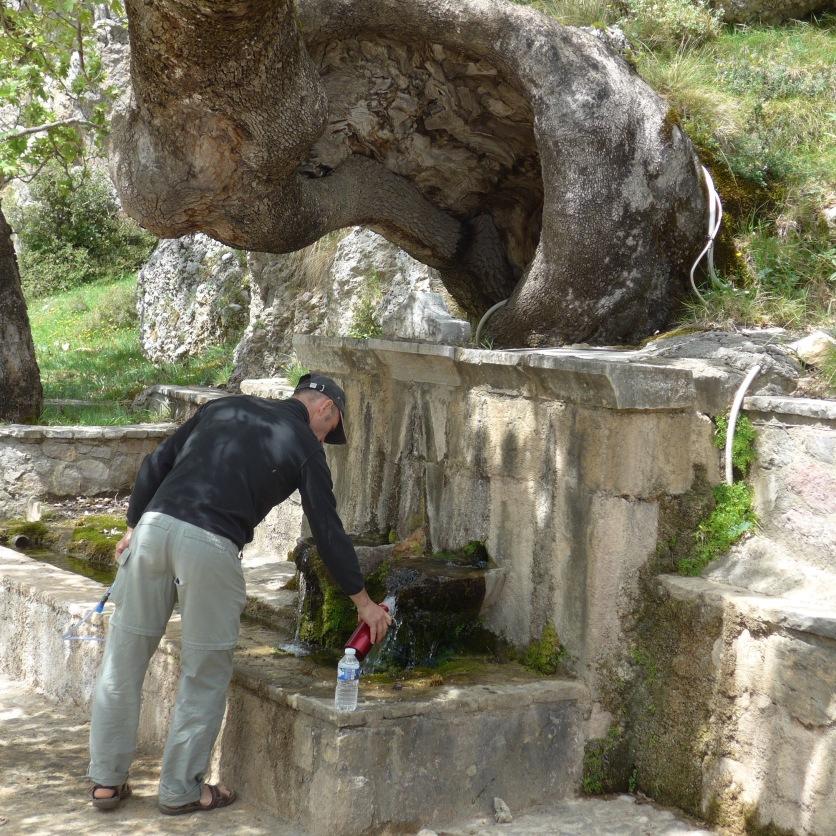 Áyios Nikólaos spring