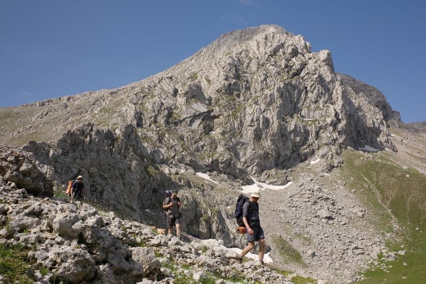 Ghióna:Piramídha summit and Vathiá Láka