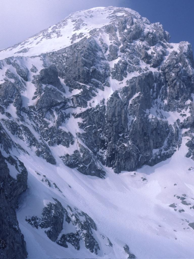 Mt Ghióna: Piramídha summit in winter.