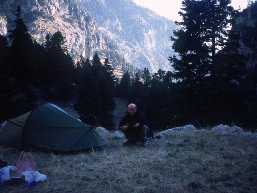 Ghióna: camping at Lázos.