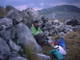 Ghióna: camping at Nisí.