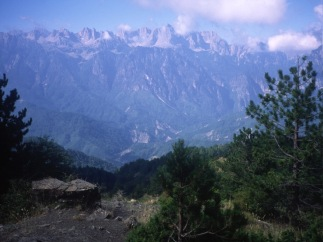 Peaks of Gamíla seen from Smólikas